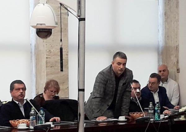 Cel mai vehement consilier județean liberal a ales să plece din Consiliul Județean înainte de a fi exclus din partid