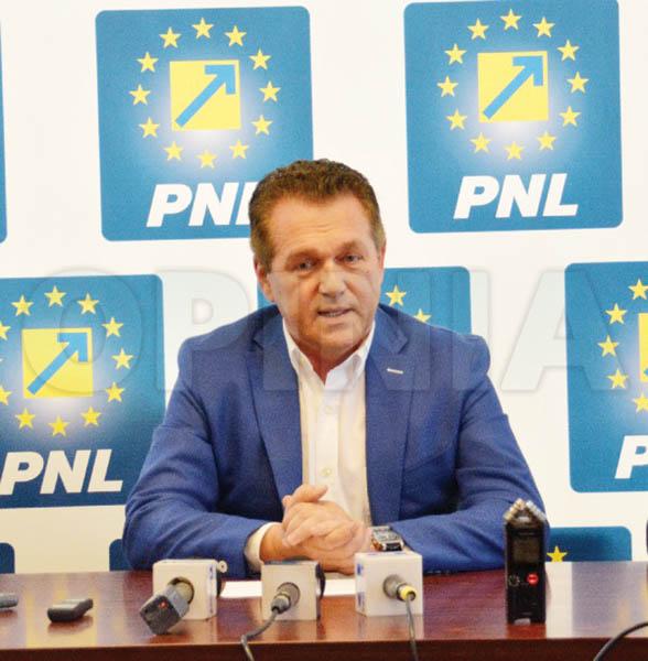 """Romanescu: """"Liberalii sunt singurii care fac opoziţie în judeţ"""""""