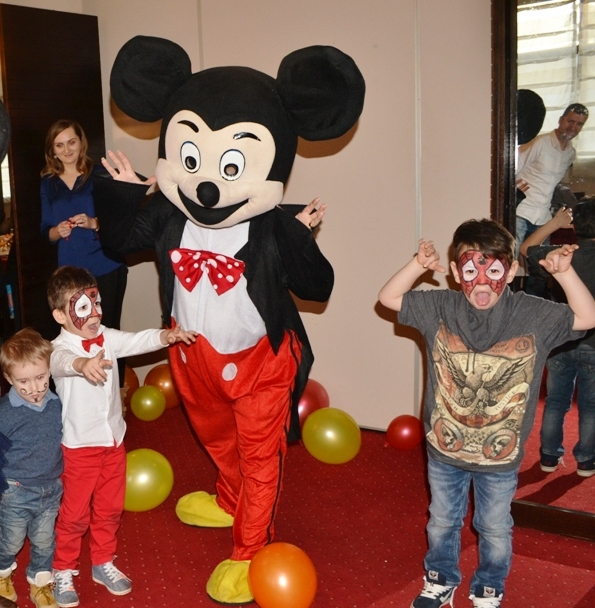 """Mickey&Friends"" deschid distracția de week-end la Galleria Mall"