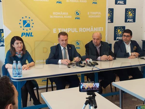 """Istoricul Vlad Nistor, candidat PNL la europarlamentare: """"De ce un român ar vota un alt partid decât pe cel care chiar contează în jocurile de la Bruxelles și de la Strasbourg?"""""""