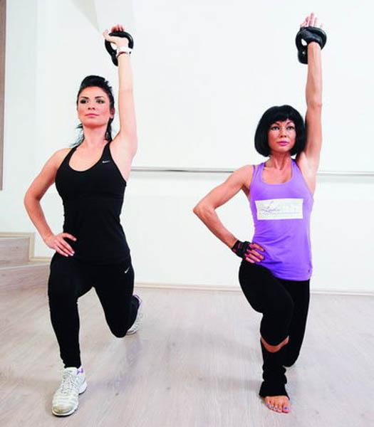 Ellie White dezvăluie ce exerciții o mențin în formă