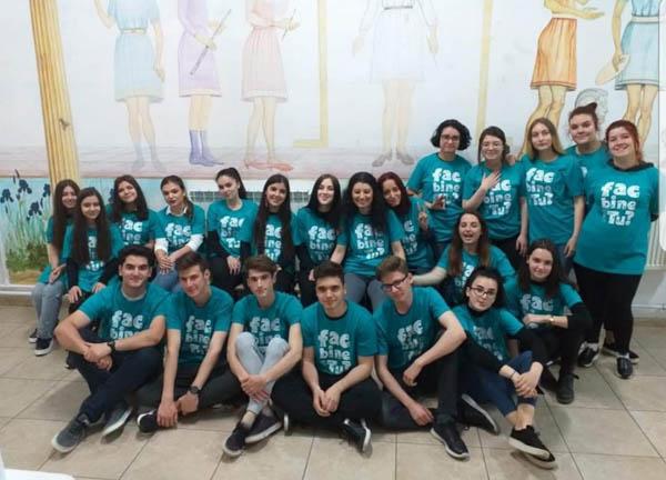 """Liceeni de la ,,Arte"""", voluntari ai Direcției pentru Protecția Copilului"""