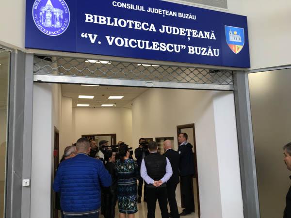Biblioteca Județeană funcționează, de vineri, în sediul temporar de la Galleria Mall