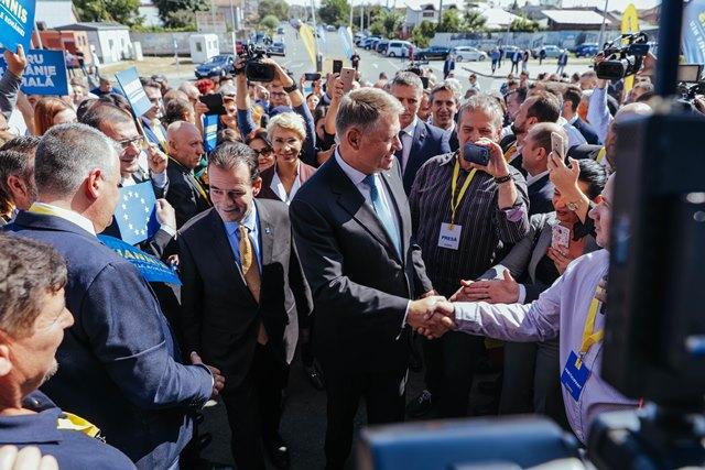 FOTO I Președintele Klaus Iohannis i-a cucerit și pe olteni (P)