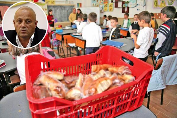 """Preşedintele Consiliului Judeţean: """"Laptele,  cornul şi mărul, o bătaie de joc la adresa copiilor"""""""
