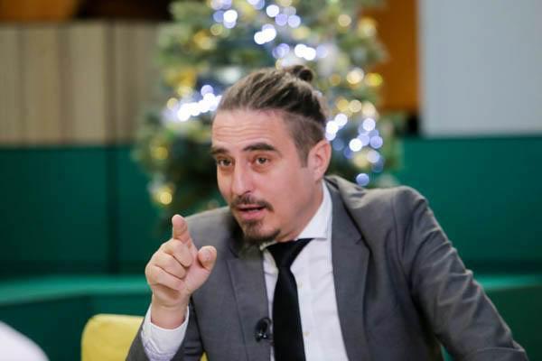 """Buzoianul Vasile Calofir, omul cu caietul de datorii din serialul """"Mangaliţa"""""""