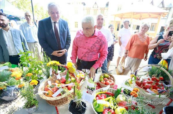 Guvernul a aprobat înființarea Băncii de gene de la Buzău