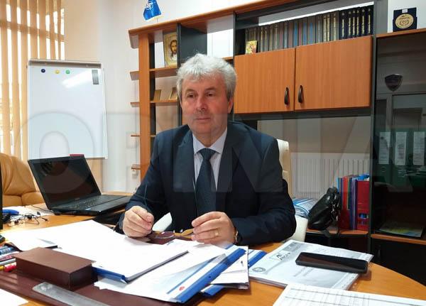 500 de euro pentru primii 100 absolvenți care vor fi angajați la bursa locurilor de muncă