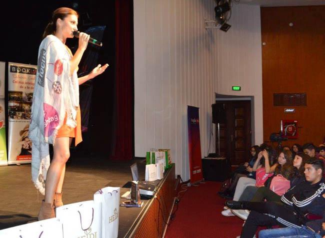 """Andreea Runceanu, mărturisiri în faţa elevilor buzoieni: """"Eram cea mai bună de la Buzău, dar la Bucureşti, în clasa a VI-a, m-am trezit că eram mediocră"""""""