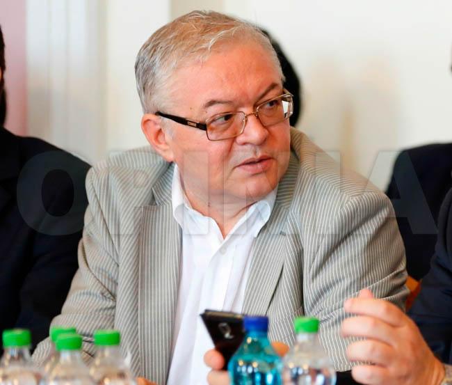 Cum a defectat din nou consilierul social-democrat Constantin Florescu