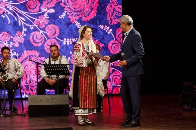 """Buzoianca Claudia Colniceanu, pe podiumul Festivalului """"Taragotul de Aur"""""""