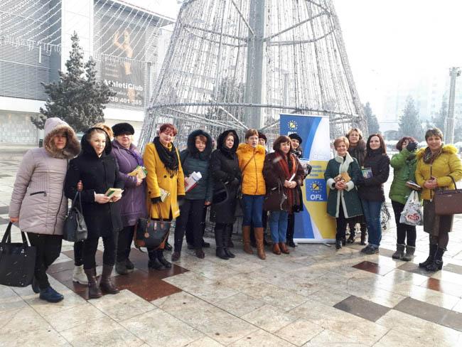 FOTO | 500 de cărți împărțite buzoienilor și nehoienilor de femeile liberale, în Ziua Culturii Naționale