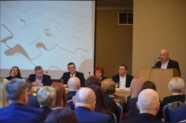 """Sorin Lazăr, în faţa practicienilor în insolvenţă: """"Oamenii de afaceri nu au nevoie să fie descurcaţi, au nevoie să nu fie încurcaţi"""""""
