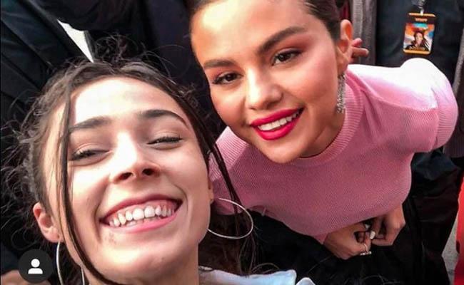 Cum a ajuns o buzoiancă să o întâlnească pe celebra Selena Gomez