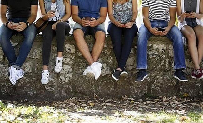 """Cum bat specialiștii de la Șomaj județul pentru a le da o șansă în viață """"tinerilor Neets"""""""