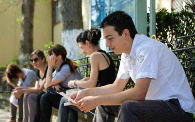 Ce facilităţi au angajatorii buzoieni care dau de lucru tinerilor până în 30 de ani