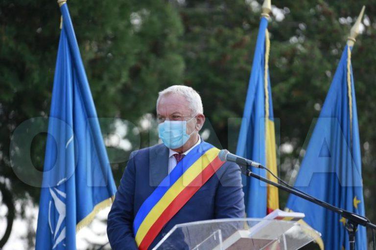 """Foto / Primarul Constantin Toma, la ședința de învestire: """"Îmi iau angajamentul că eu chiar îmi voi respecta jurământul"""""""