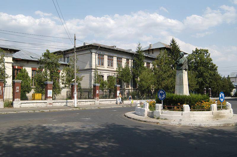 """Școala din Cernătești trece în scenariul roșu, elevii de la """"Vlahuță"""" se întorc în clase • Opinia Buzău"""