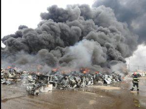 Ce amenzi a dat Garda de Mediu societății din zona industrială unde a avut loc incendiul de materiale reciclabile