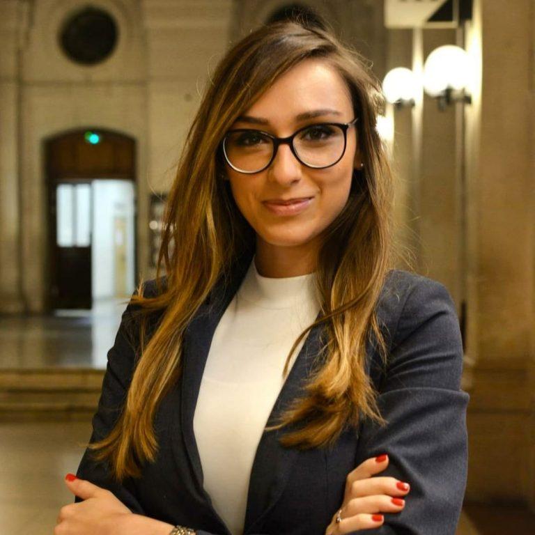 """Buzoianca Andreea Răileanu, absolventă de Drept la Sorbona: """"Sistemul juridic românesc ar trebui să părăsească mentalitatea de tip-grilă, în care se preferă memorarea și nu raționamentul"""""""