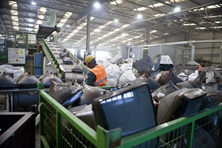 O parte din materialele reciclate la GreenWEEE sunt reintroduse în circuitul economic buzoian